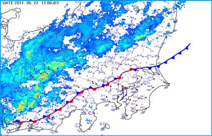 いわゆる「低気圧の後面にのびる寒冷前線」の様相を保っているのは、東の端... 天気はコロコロ変わ